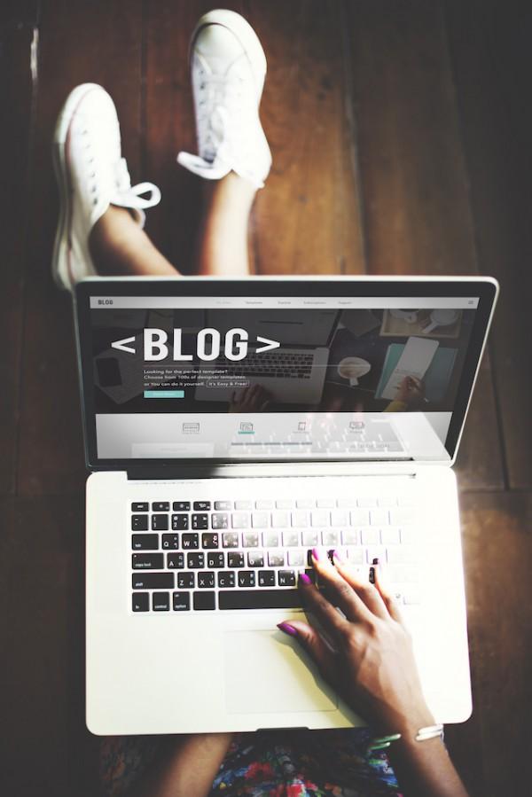 Bloguer (c) Rawpixel.com shutterstock