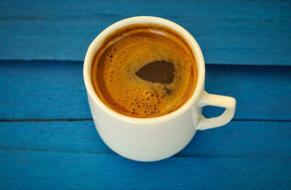 Café grec (c) ANDROMACHI shutterstock