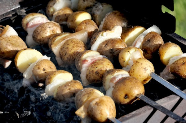 Pommes de terre au barbecue - Que faire au barbecue original ...