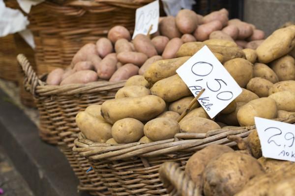 Différentes variétés de pommes de terre (c) Curioso shutterstock