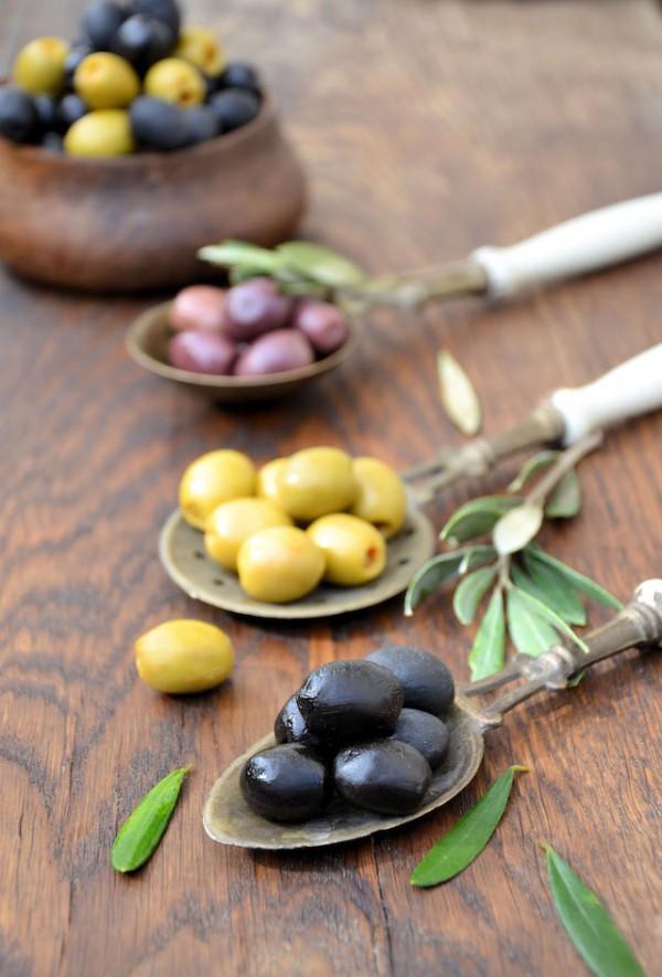 Olives (c) TGTGTG shutterstock