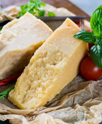 Grana Padano et Parmesan ©barmalini shutterstock