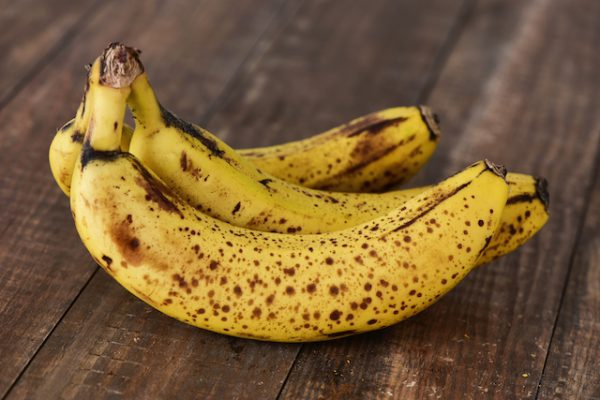 Bananes trop mûres (c) nito shutterstock