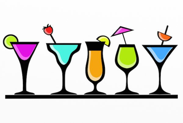 Boire un verre (c) goccedicolore.it shutterstock
