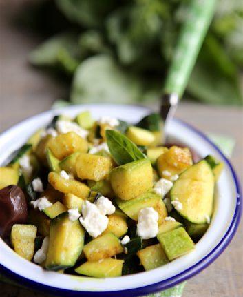 Courgette aux épices, féta, olives noires