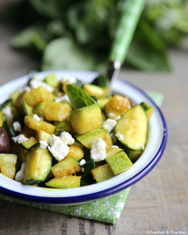 Courgettes aux épices, feta et olives noires