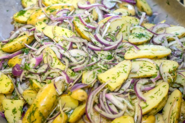 Salade de pommes de terre (c) S. Jurgielewicz shutterstock