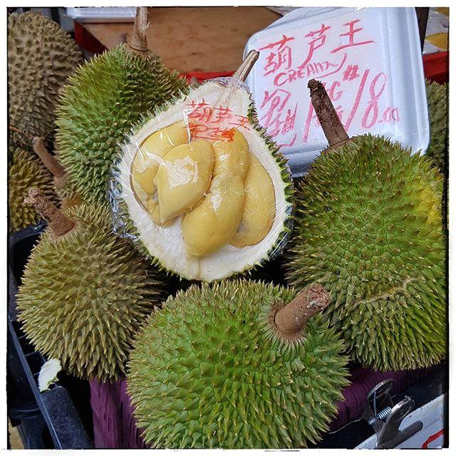 Durian - quartier chinois - Singapour - J'ai testé et cela a le goût de l'odeur