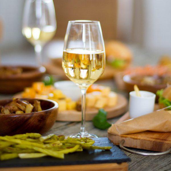 Accords mets vins (c) Savchenko - shutterstock