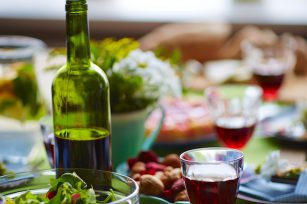 Accords mets vins (c) Pressmaster shutterstock