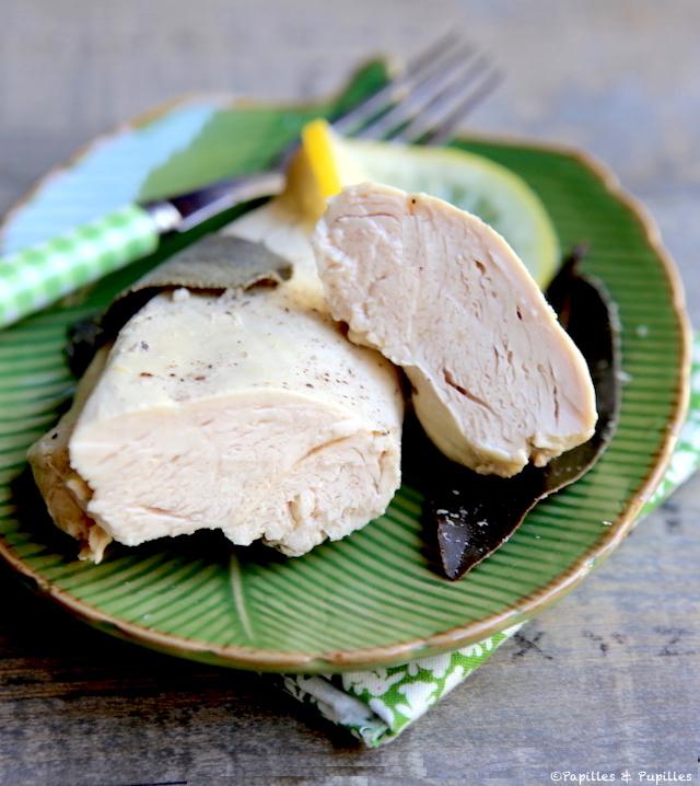 Blancs de poulets moelleux poch s - Cuisiner des blancs de poulet moelleux ...