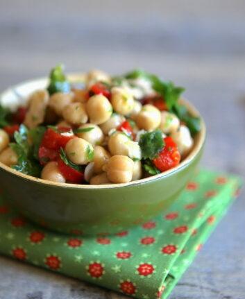 Salade de pois chiches, thon et poivron