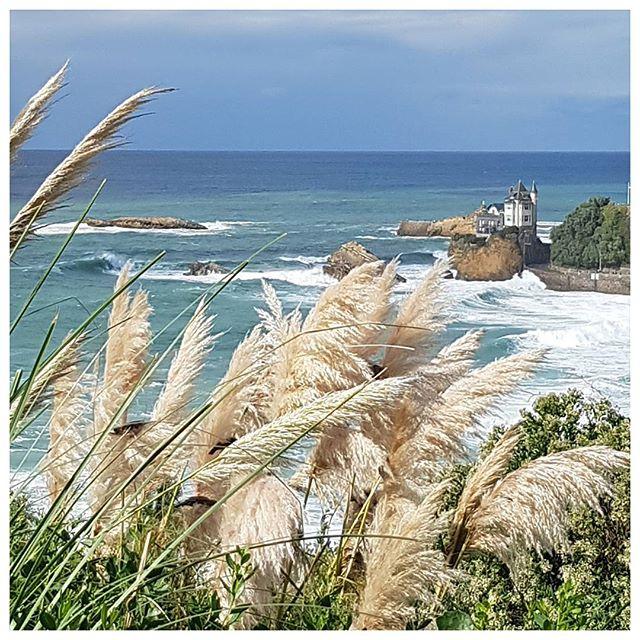 Biarritz - que j'aimerais habiter juste au bord de l'Océan ; c'est tellement beau ⛵
