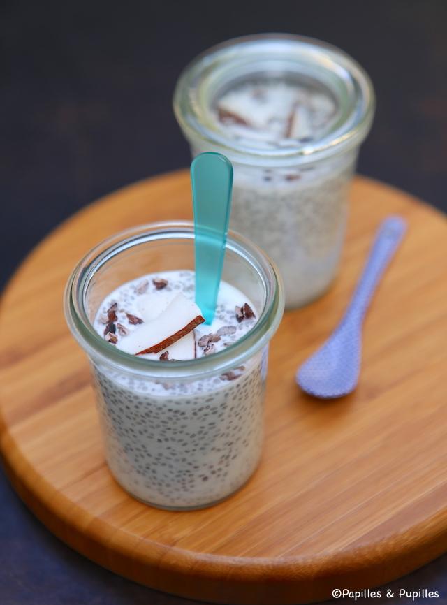 Pudding aux graines de chia, lait de coco et grué de cacao