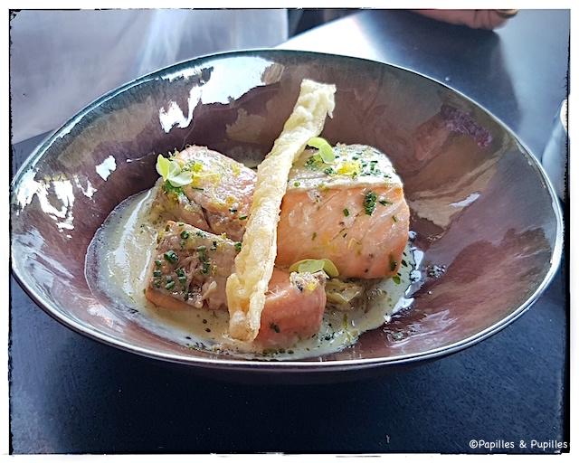 Saumon à l'oseille et fondue de poireaux