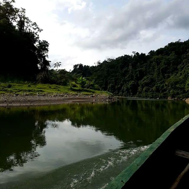 En pirogue sur la rivière Bribri - Costa Rica