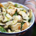 Salade tiède de poulet au citron et à l'avocat