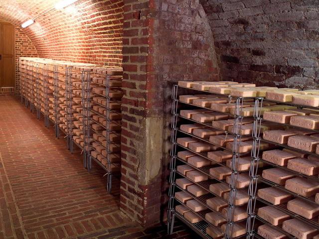 Cave d'affinage Maroilles (c) Maroilles-Info