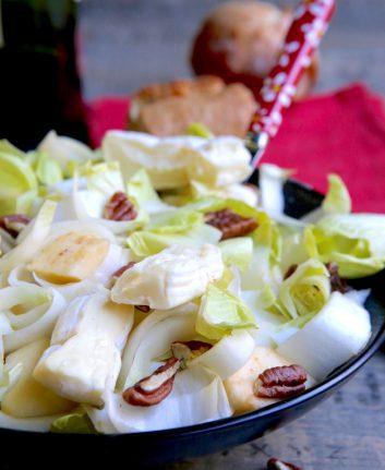 Salade d'endives fromage et noix de pécan