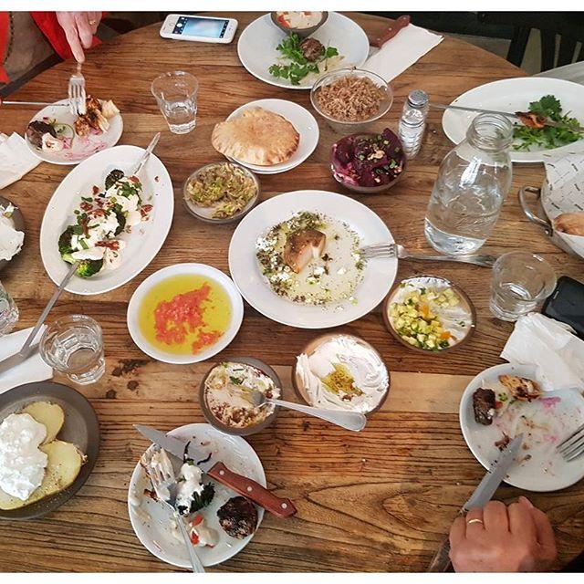 Un déjeuner à Tel Aviv