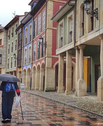 Avilès - Les jolis immeubles colorés