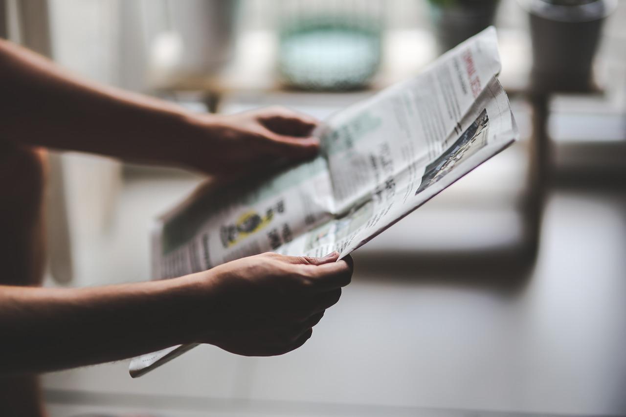 Revue de presse CC0 Pixabay ©Kaboompics