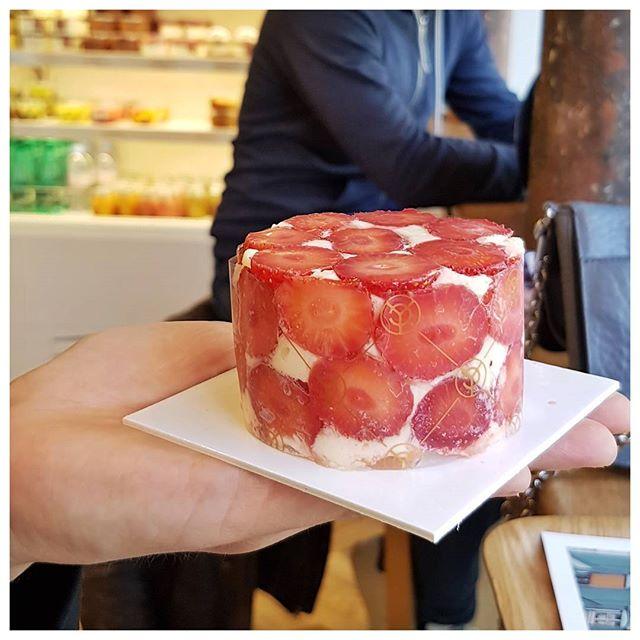 Le magnifique fraisier de Yann Couvreur - Paris