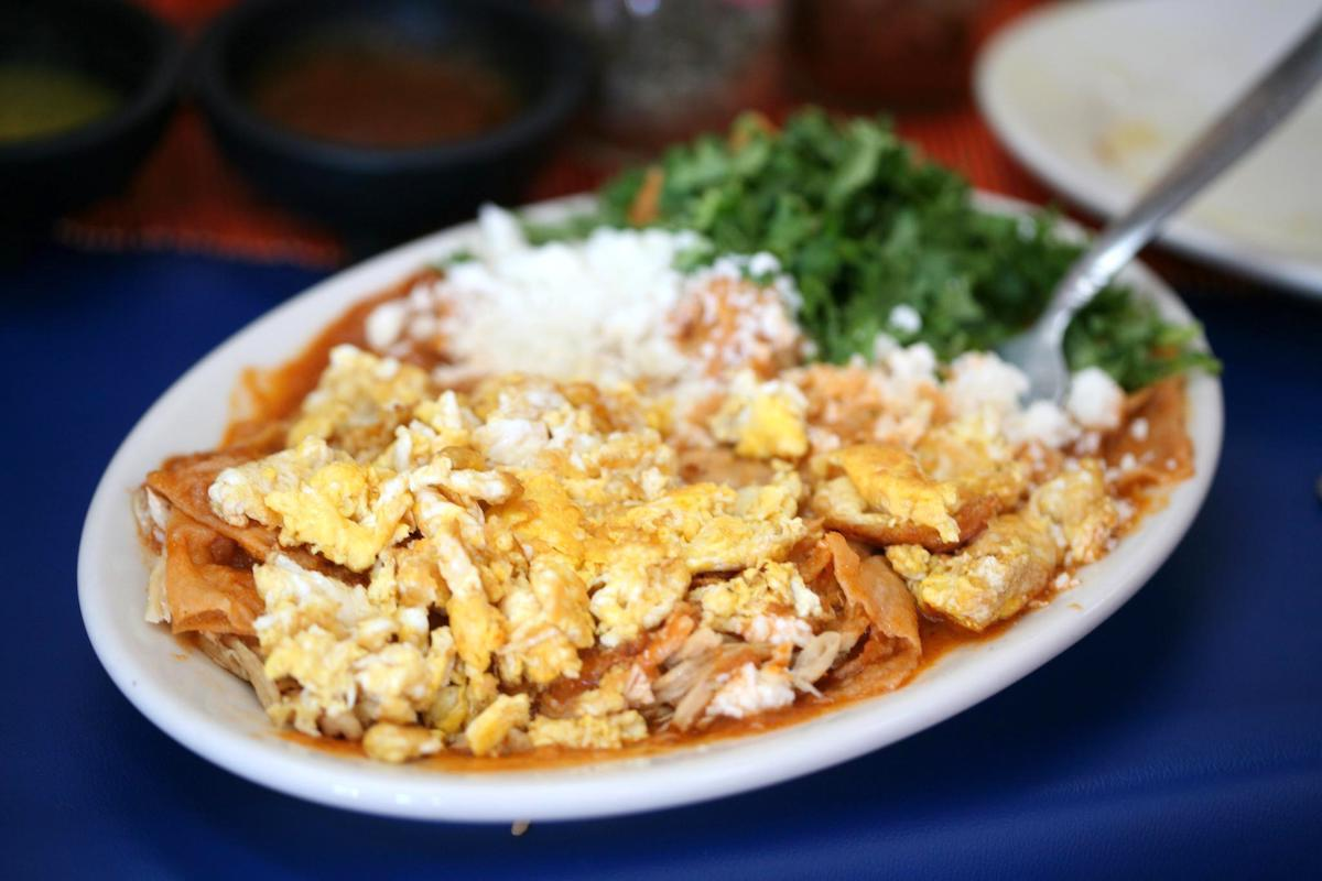 Chilaquiles (c) sharyn morrow CC BY-NC-ND 2.0