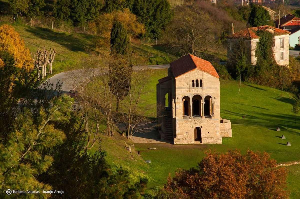Santa Maria del Naranco - TUrismo Asturias Janjo Arrojo