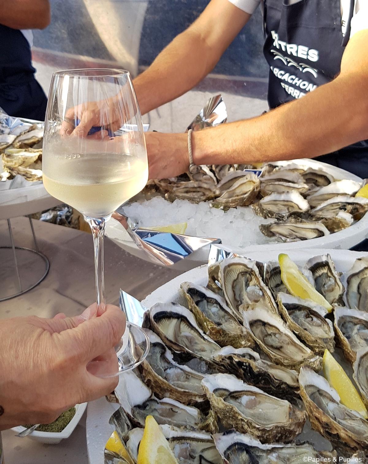 Vin blanc Entre Deux Mers et Huitres