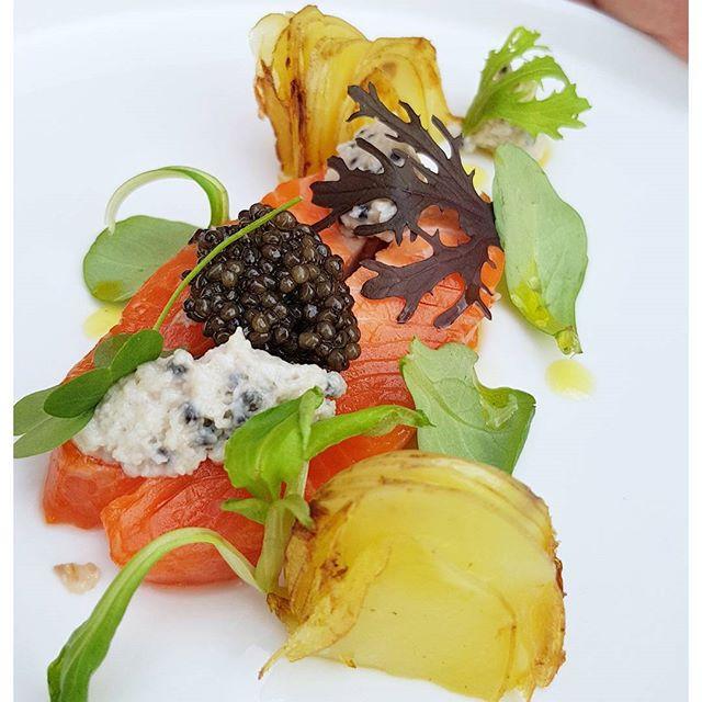 Atelier culinaire avec Vivien Durand, cjef du @restaurant_prince_noir chez @caviar_akitania On se régale