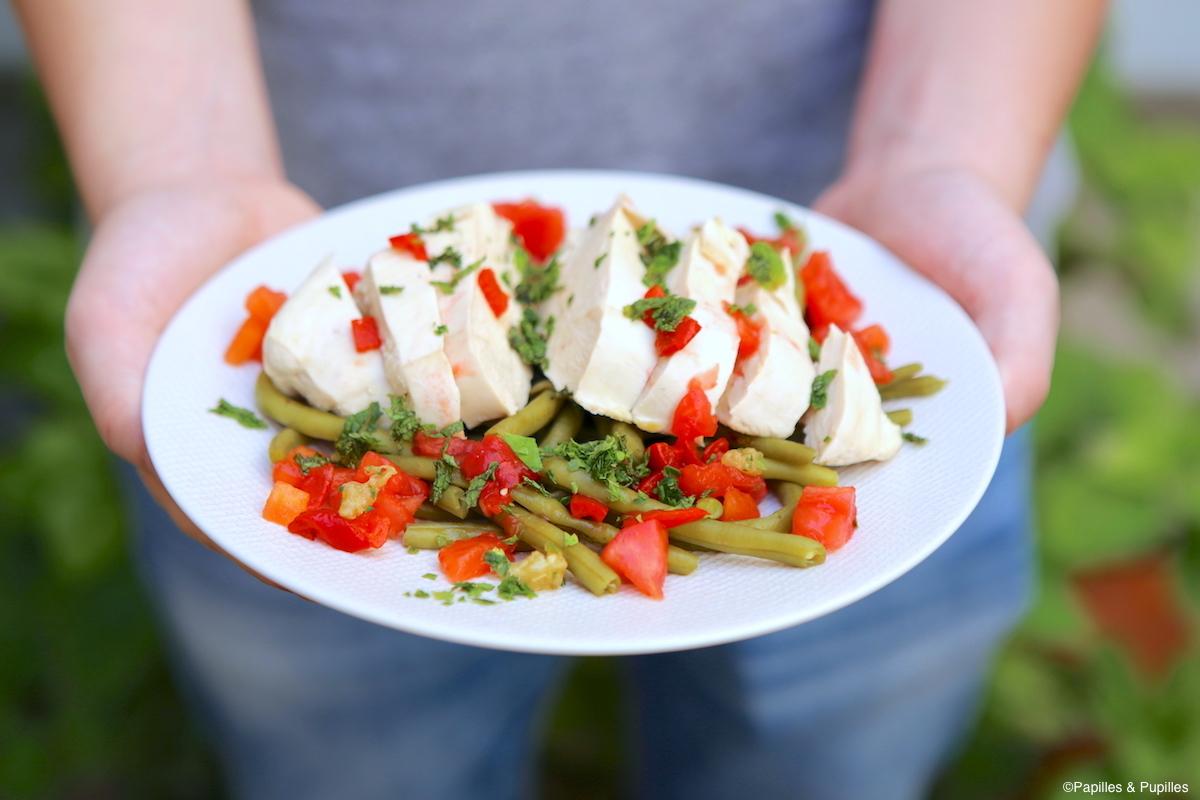 Blanc de poulet sauce vierge et haricots verts