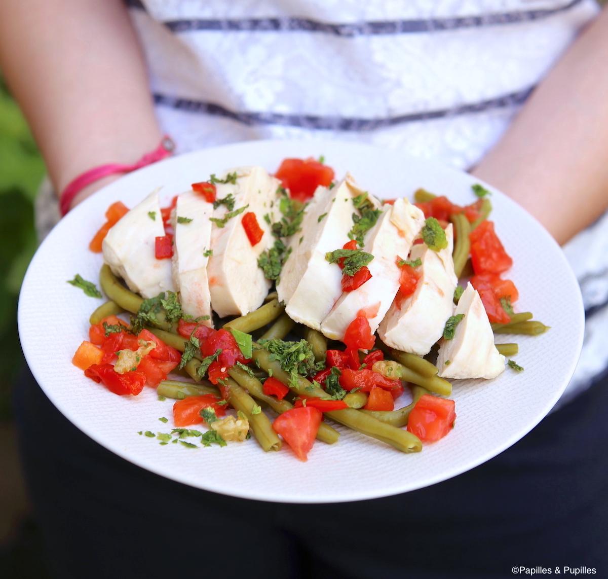 Blancs de poulet, haricots verts et sauce vierge