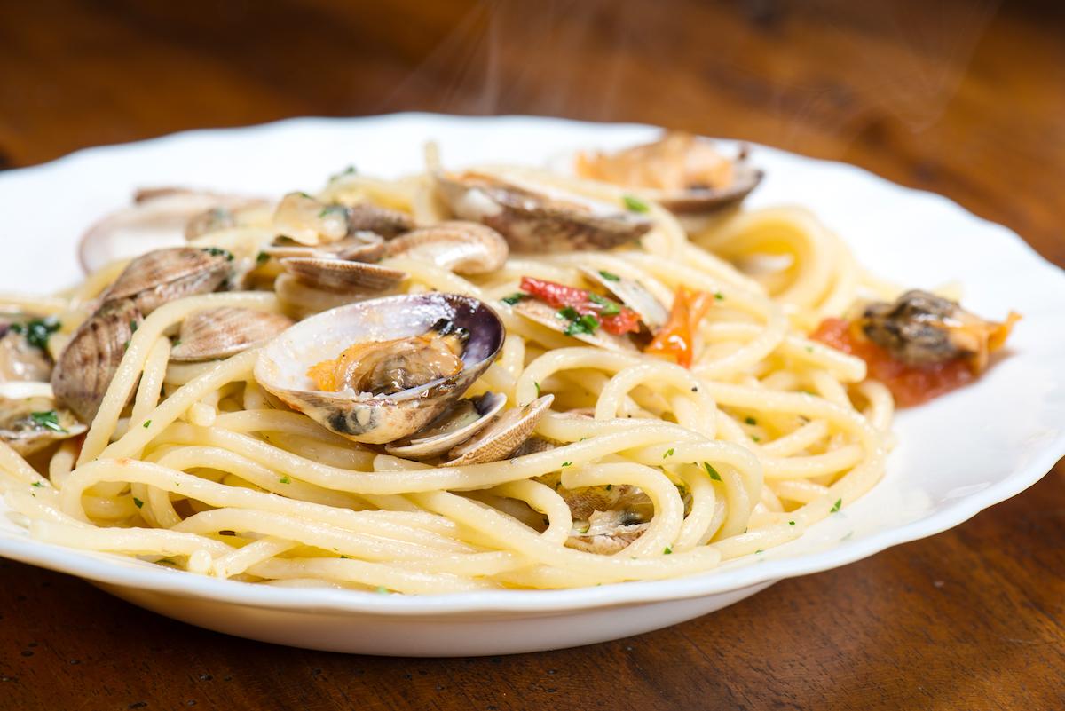 Spaghetti alle vongole (c) Massimiliano Marino shutterstock