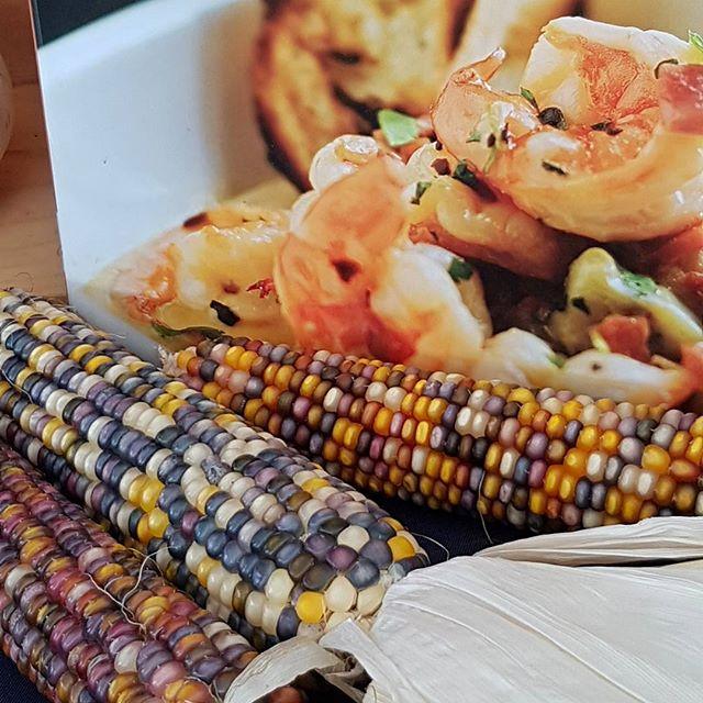 Le maïs l'un des ingrédients phares de la cuisine du sud est des USA - on en fait du pain, des gâteaux, une sorte de polenta qu'on appelle Grits et bien d'autres choses.