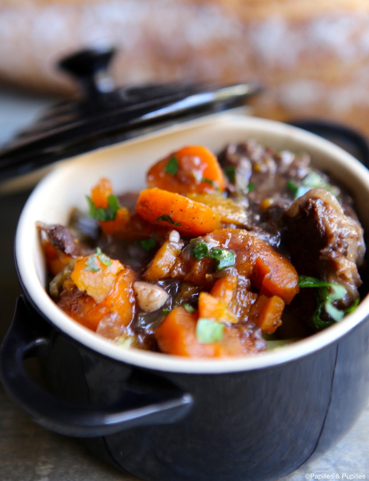 Boeuf carottes et au vin rouge à l'autocuiseur