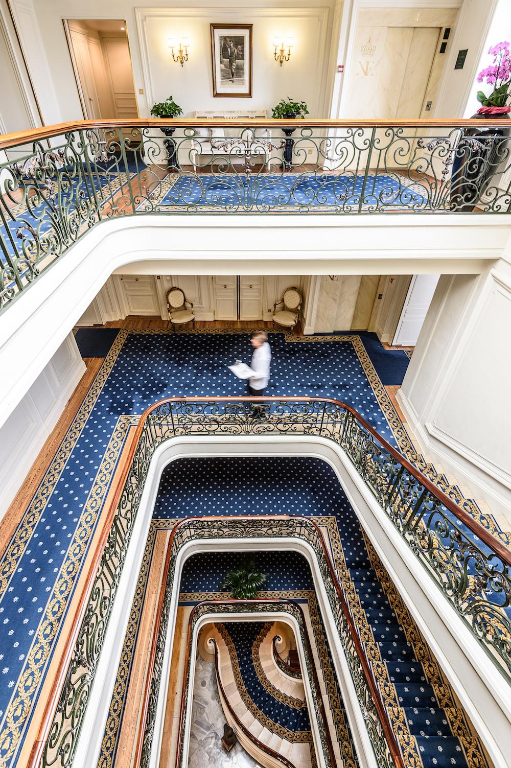L'escalier - Hôtel du Palais