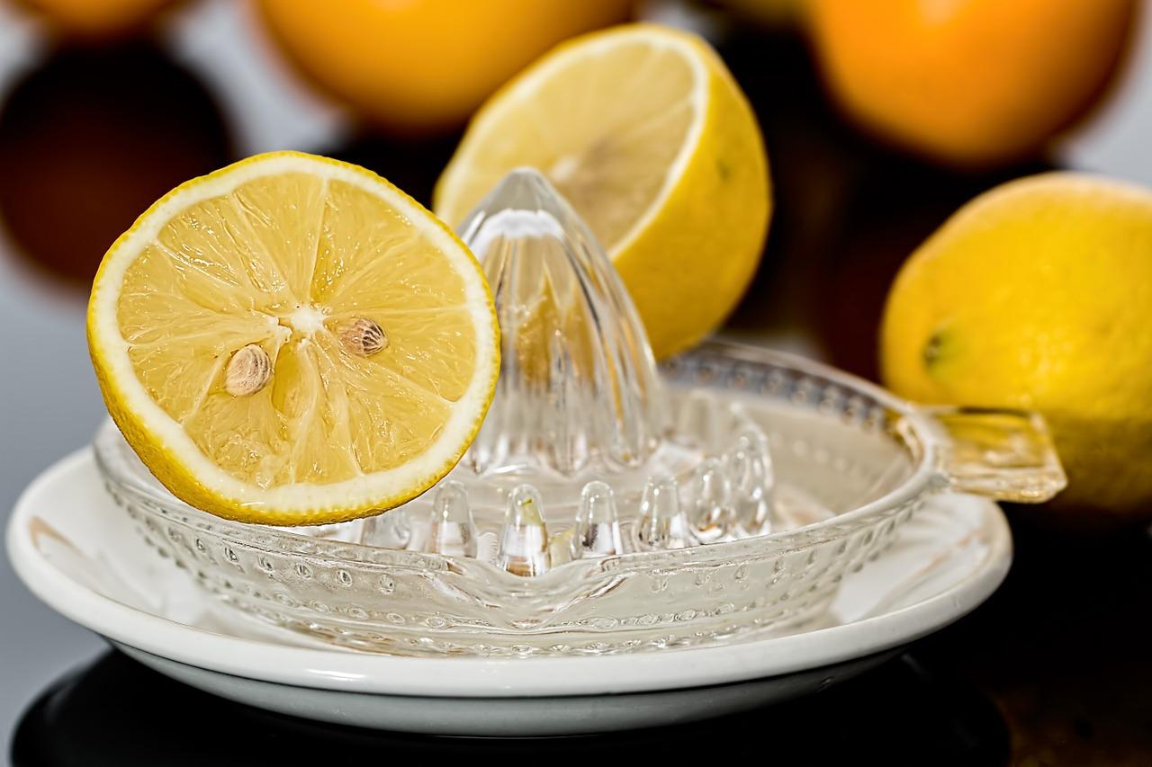 Citron (c) stevepb CC0 Pixabay