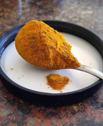 Poudre de curry (c) Sarha R CCBYNCND20