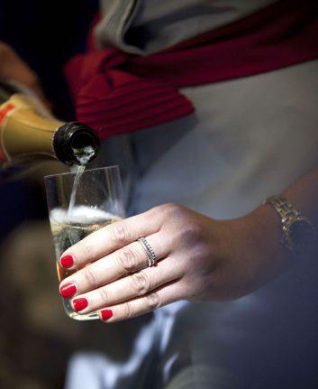 Service du Champagne à Bord