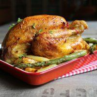 Poulet rôti - Pommes de terre et asperges vertes