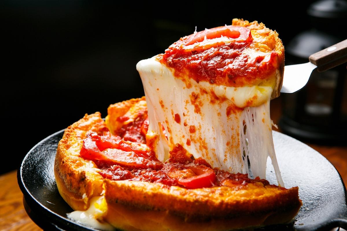 Deep dish pizza ©TMon shutterstock