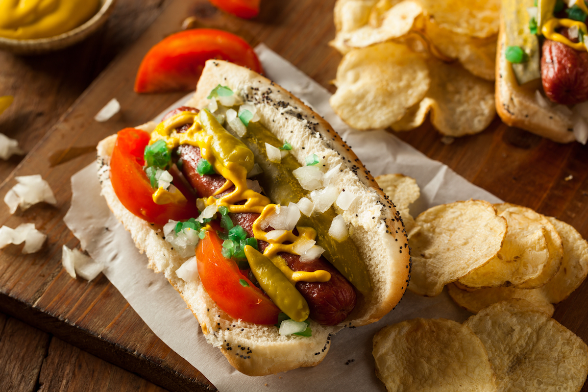 Hot dog Chicago ©Brent Hofacker shutterstock
