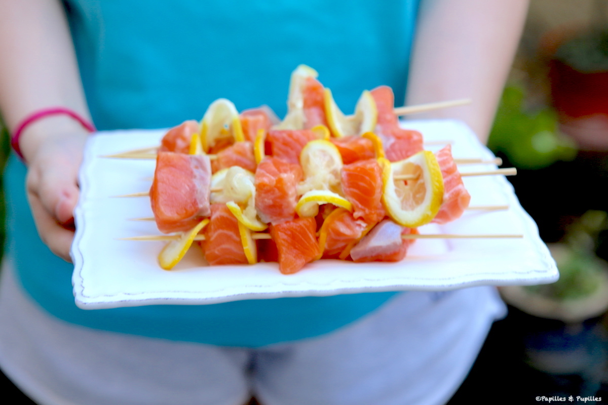 Brochettes de saumon avant cuisson