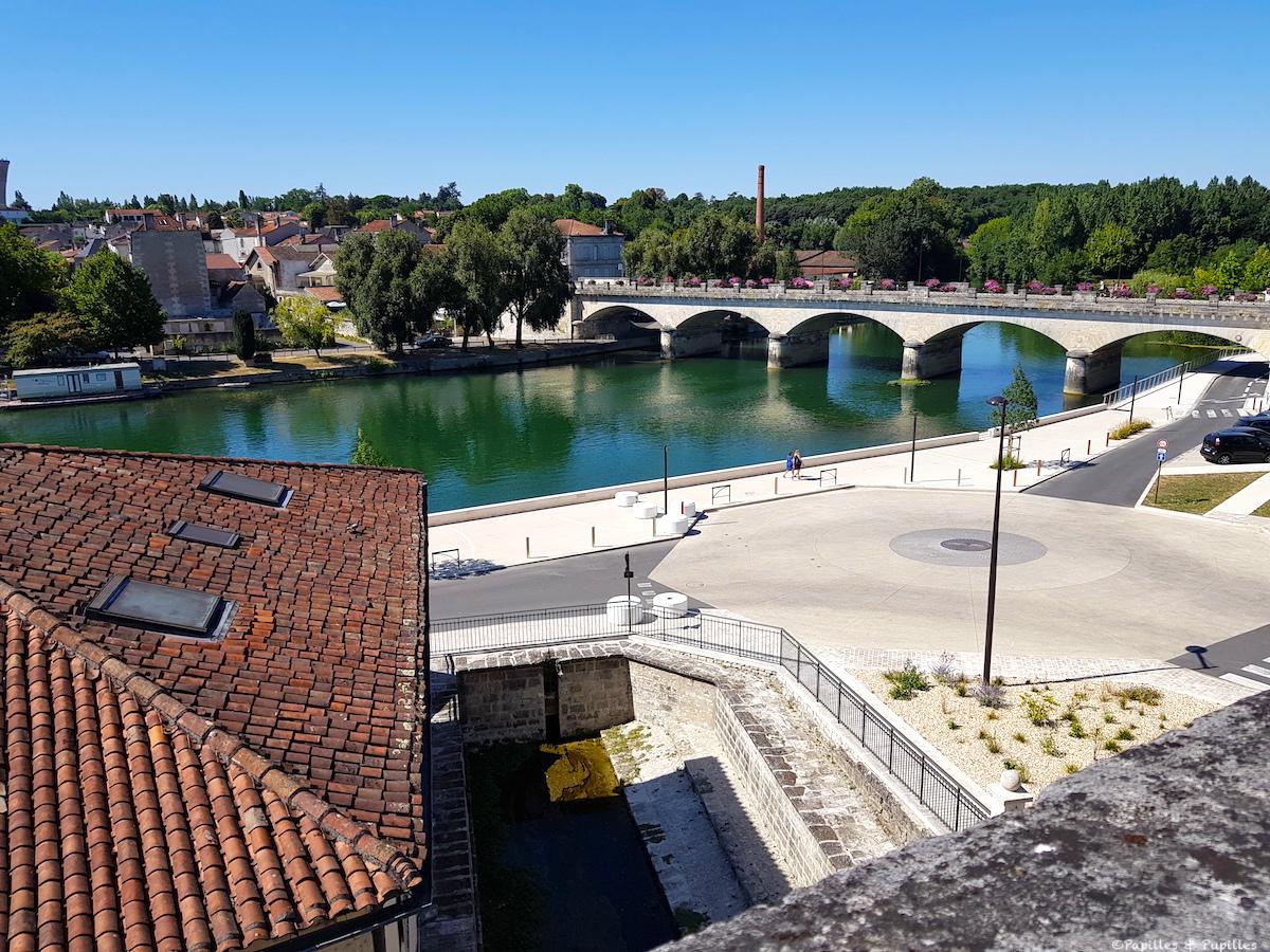 Cognac - Vue sur la Charente depuis le Château