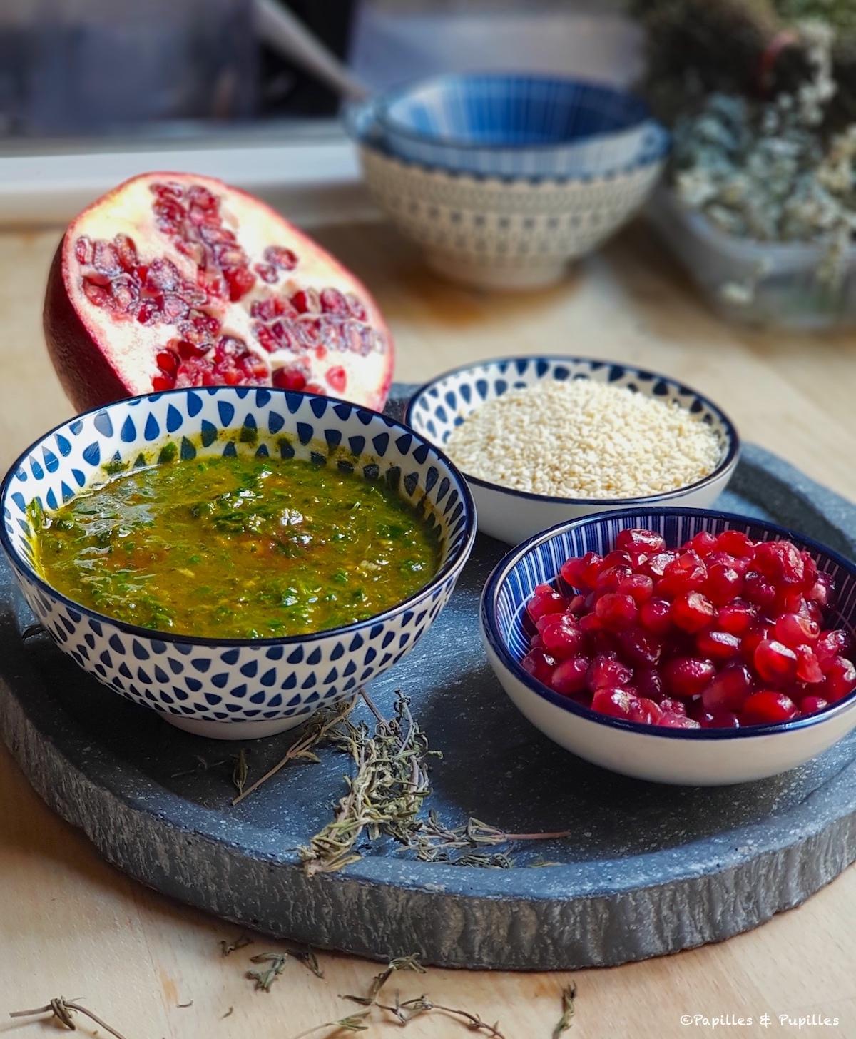 Sauce ail persil, grains de sésame, de grenade