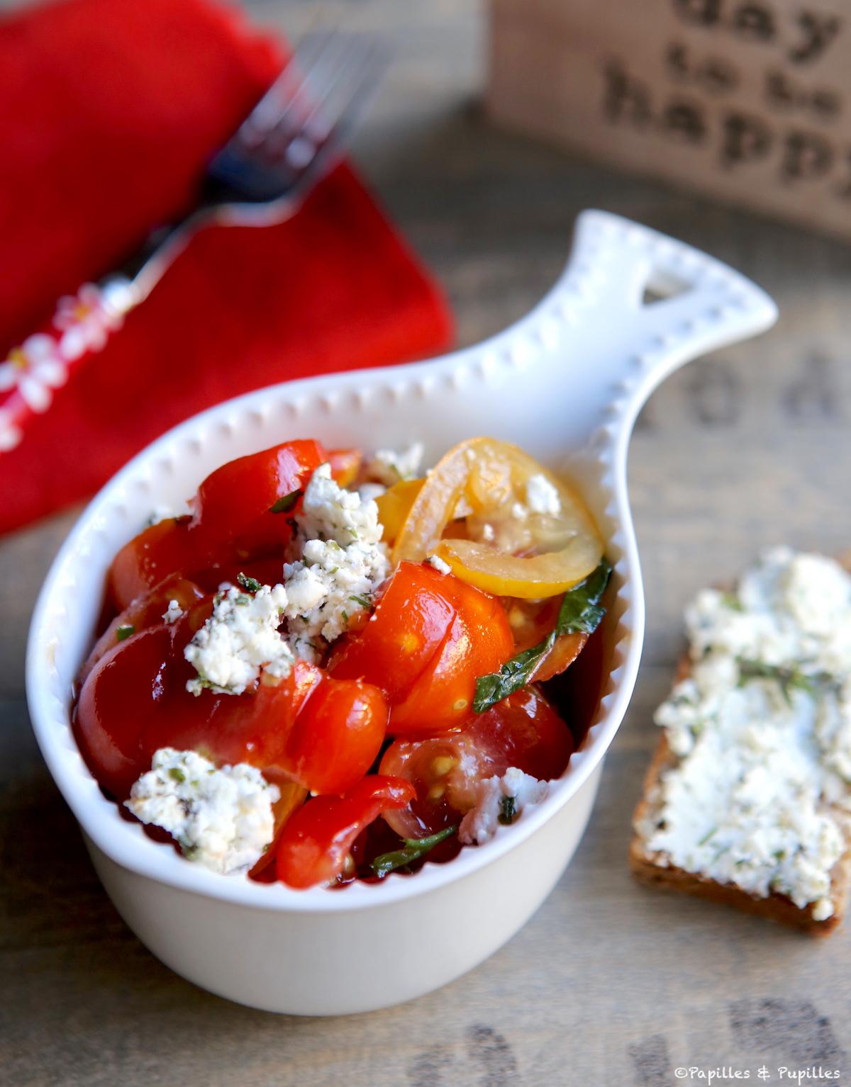 Salade de tomates fromage frais de chèvre et herbes