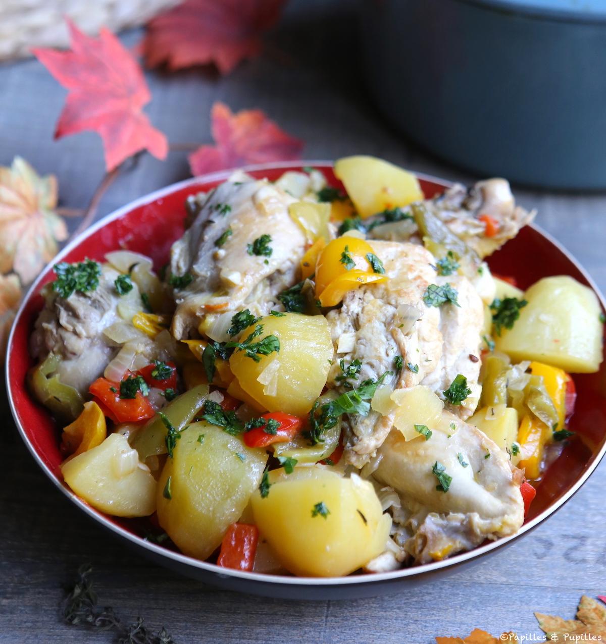 Poulet mijoté aux pommes de terre et poivrons