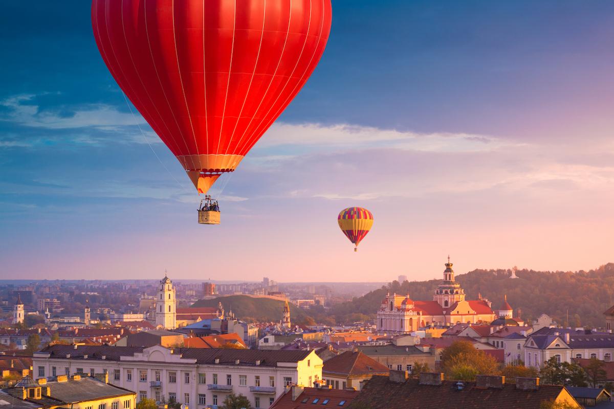 Ballons sur Vilnius ©proslgn shutterstock