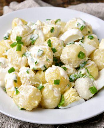 Salade de pommes de terre des marais © Tatiana Volgutova shutterstock